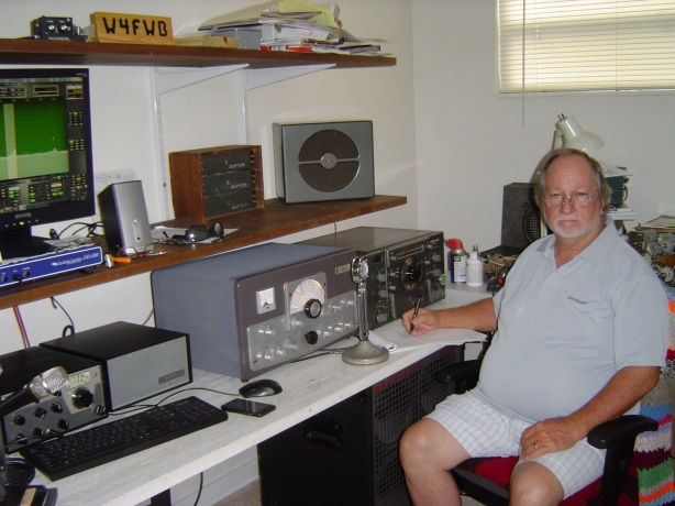 Fred runs a Valiant II and National HRO-50T from his St Petersburg digs